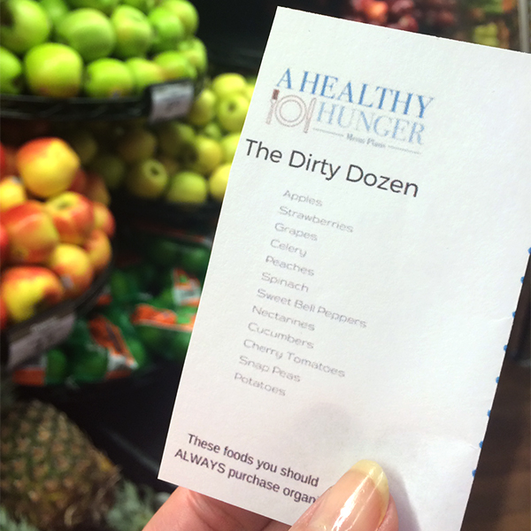 The Dirty Dozen Wallet Guide - A Healthy Hunger